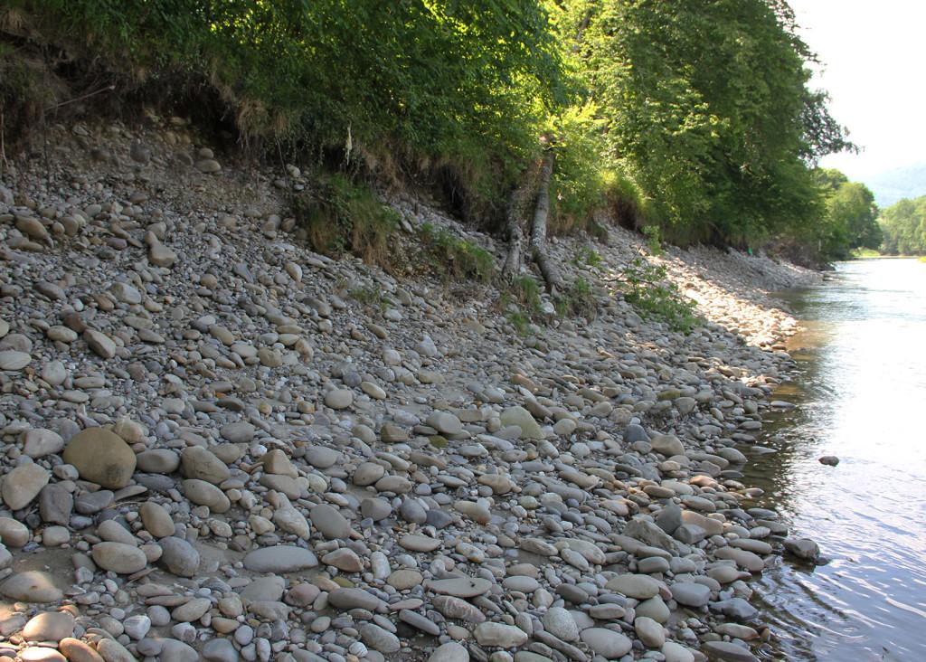 steilufer_restwasserstrecke_gösger-schachen_geschiebe