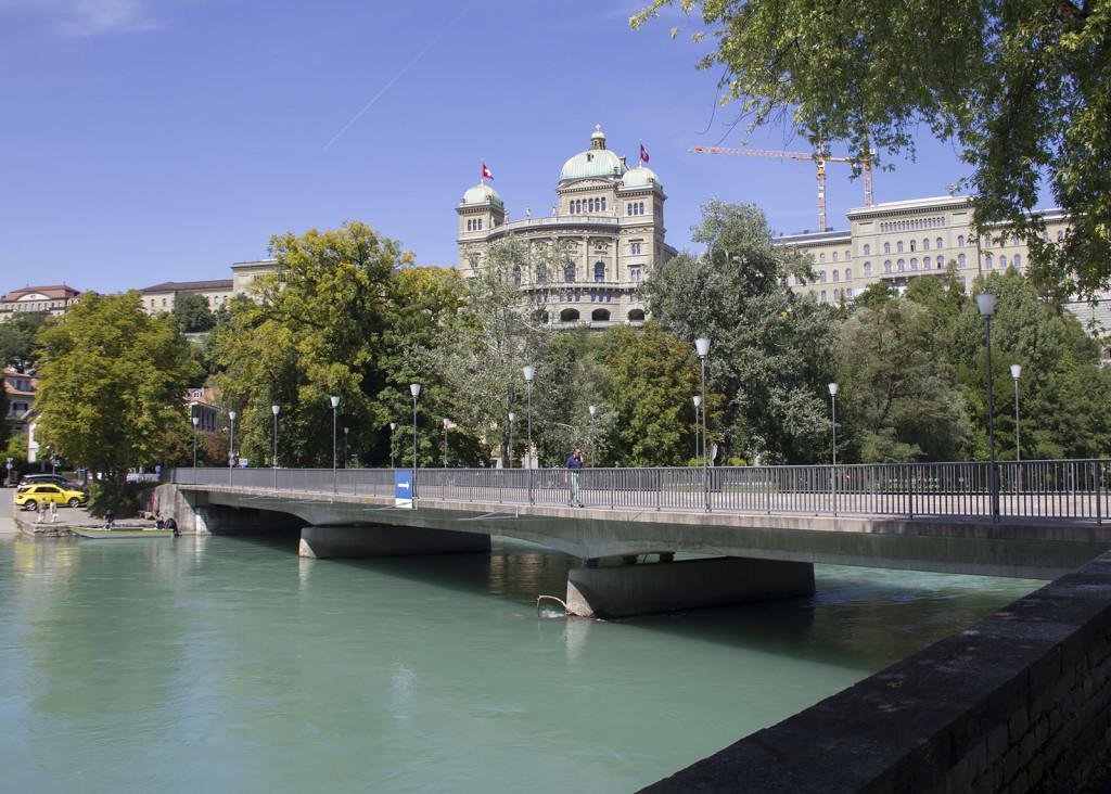 aare_marzilibrücke_bern_bundeshaus
