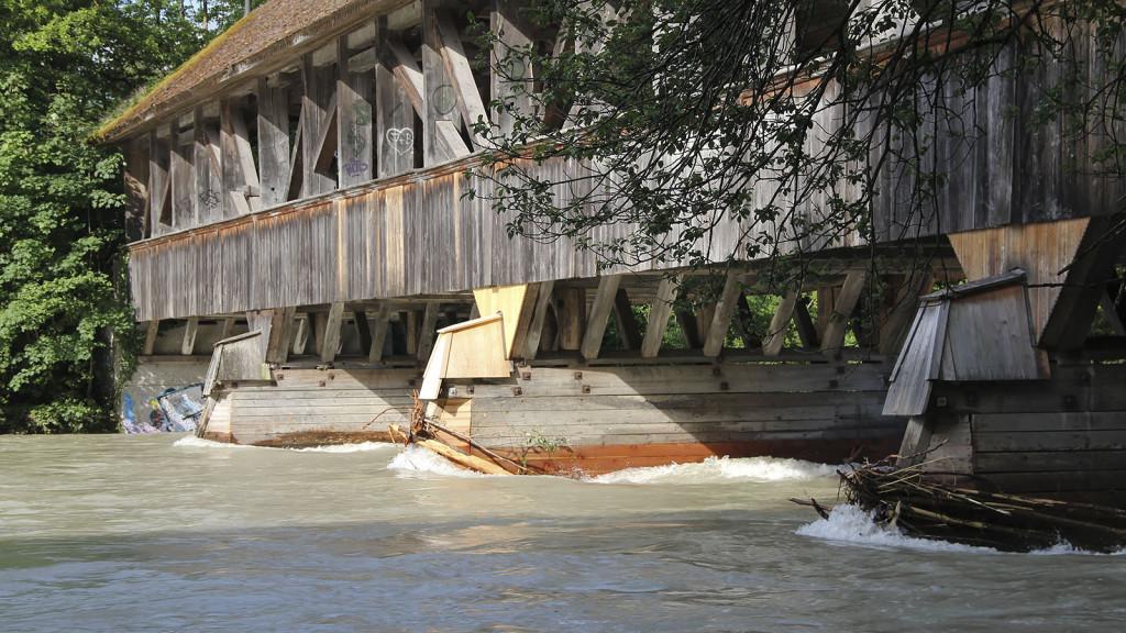 auguetbrücke_hochwasser_aare_muri