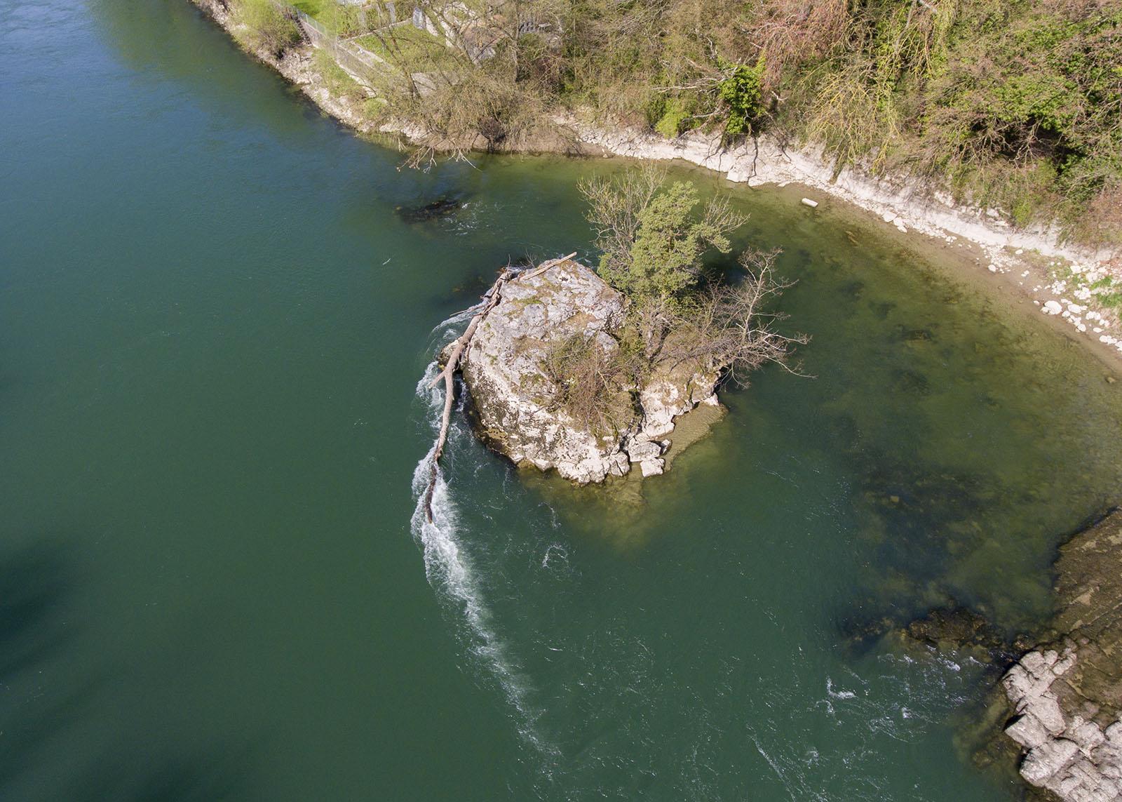 ... und wird von den Bruggern liebevoll Loreley-Felsen genannt