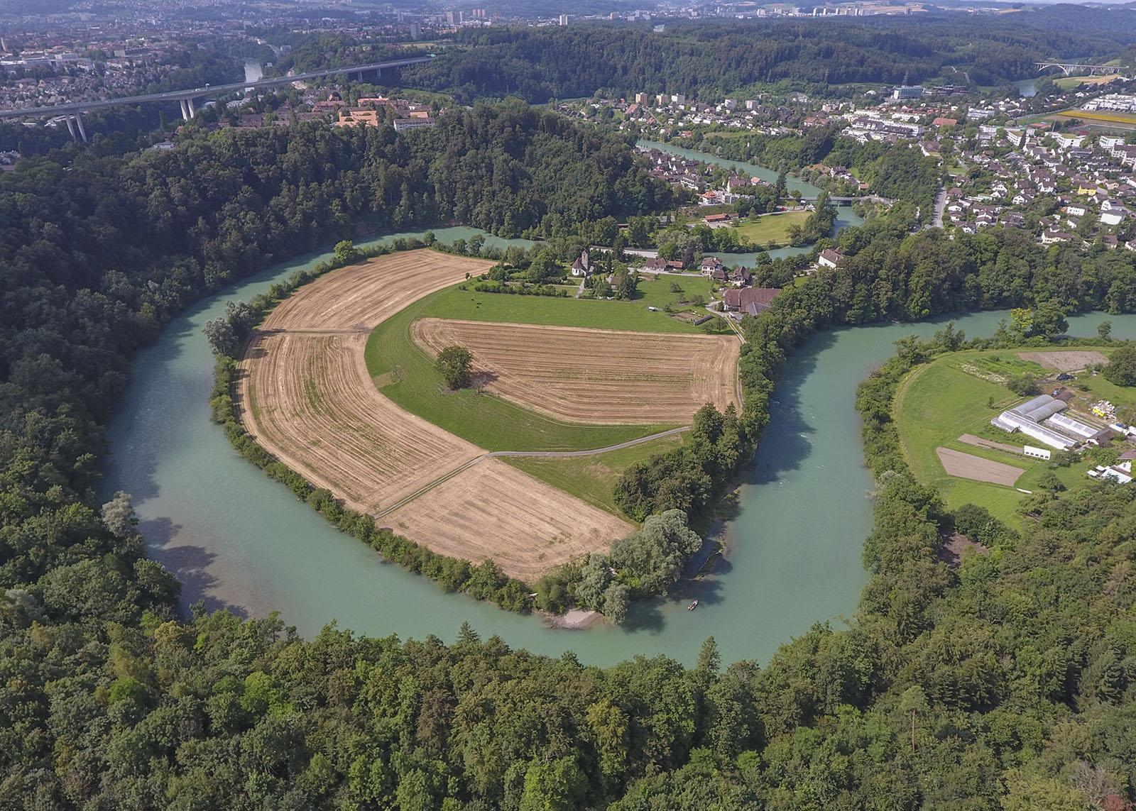 Die rund neuen Kilometer lange Restwasserstrecke um die Engehalbinsel gehört zu den ökologisch bedeutsamsten Flusslandschaften des Kantons Bern