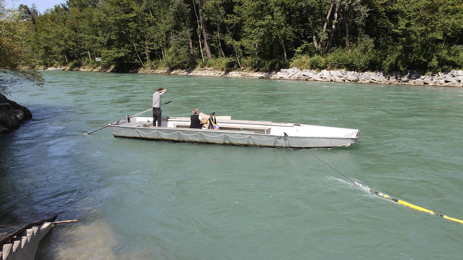 Die Flussfähre Bodenacker. Vorsicht vor dem Stahlseil